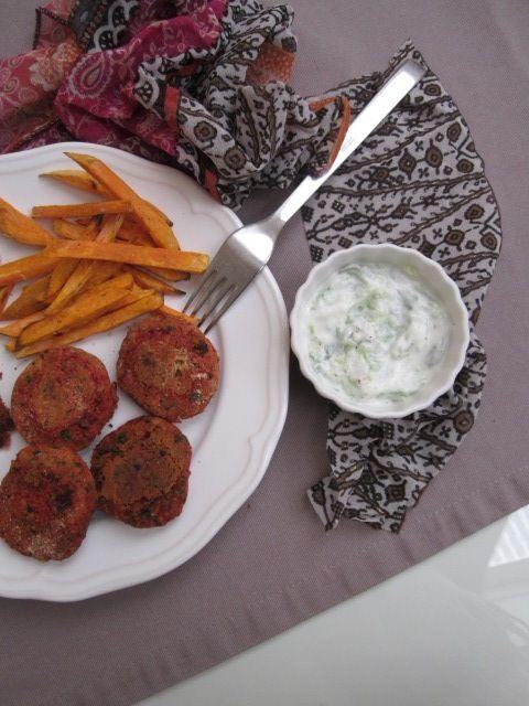 Falafli, sladek krompir, tzatziki