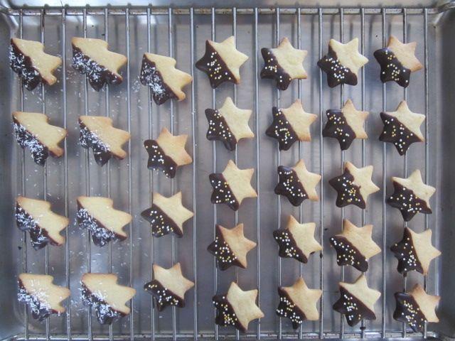 Masleni piškoti s čokoladnim oblivom