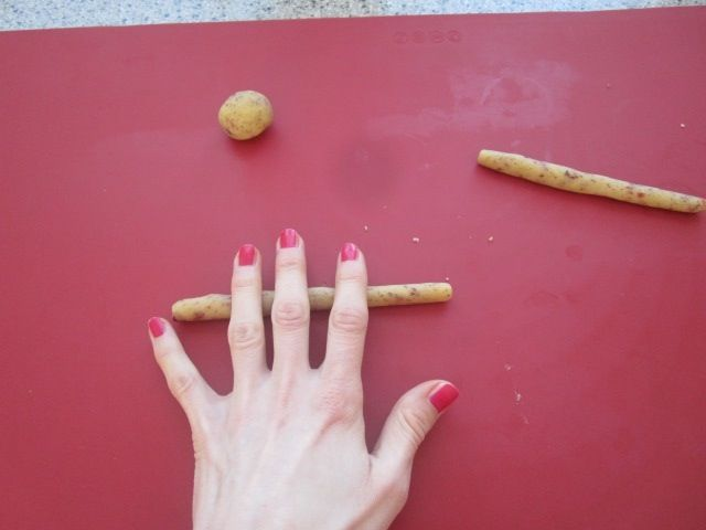 Mandljevi rogljički z brusnicami