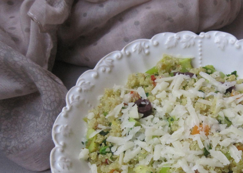 Kvinoja z zelenjavo in sirom