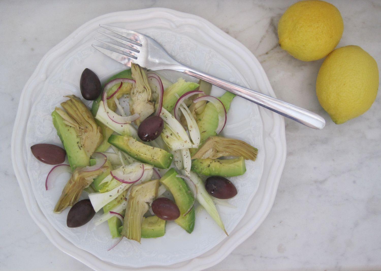 Solata iz avokada, koromača, oliv in artičok