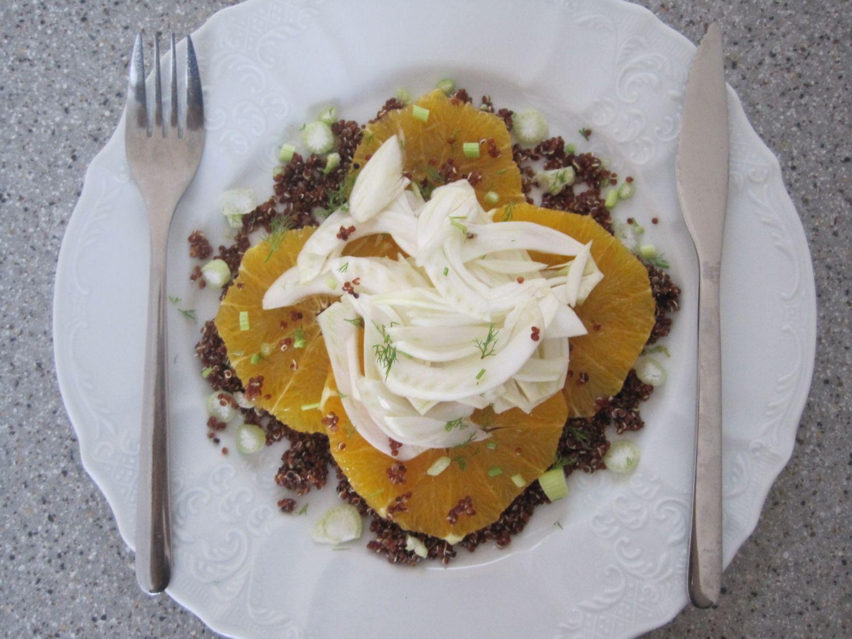 Solata iz rdeče kvinoje, koromača in pomaranče