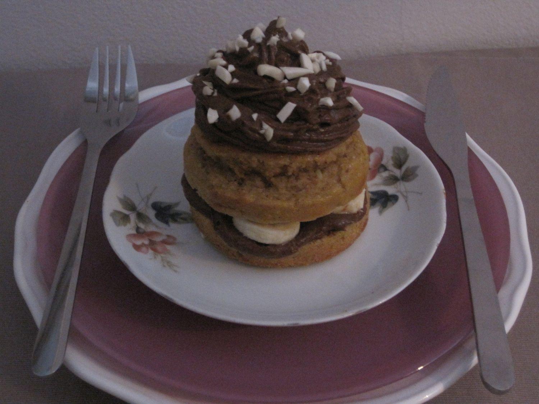 Mandljeva tortica s čokoladno kremo