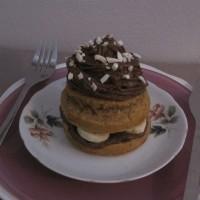 Nesramno dobri mandljevi kolački s čokoladno kremo