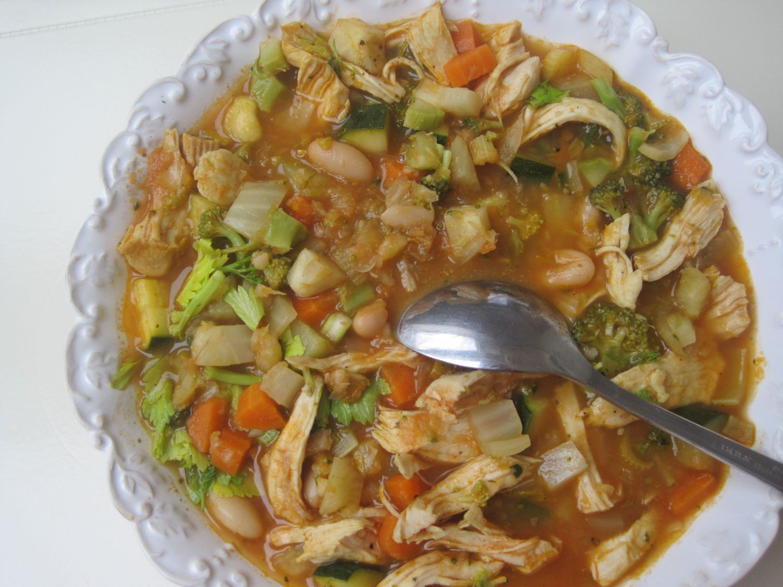 Zelenjavna obara s piščančjim mesom in belim fižolom