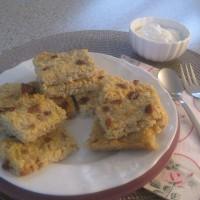 Sladki jabolčni kvadratki s kvinojo in suhimi brusnicami