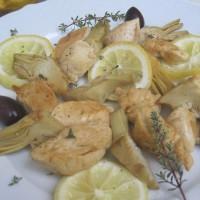 Limonin piščanec z artičokami in črnimi olivami
