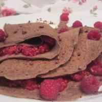 Čokoladne palačinke z malinami