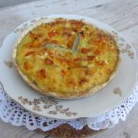 Bučna pita s porom, sirom in žajblovimi listi
