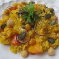 Bučna rižota z žafranom in praženimi bučnimi semeni