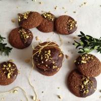Nutellini hrustljavi piškotki s pistacijo in solnim cvetom