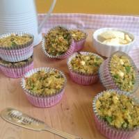 Brezglutenski slani muffini s špinačo, kvinojo in feta sirom