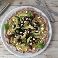 Zelenjavna pica brez kvasa in pelatov