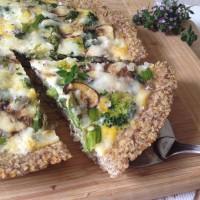 Zelenjavna pita s kozjim sirom in kvinojino skorjico