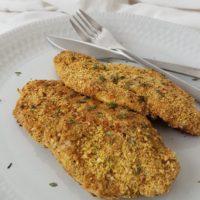 V pistaciji panirano piščančje meso