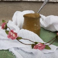 Okusno sladko vegansko maslo iz sončnic in bučnic