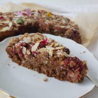Preprost poletni sadni kolač (brez glutena, laktoze in jajc)