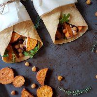 Čičerikini zvitki s pečenim sladkim krompirjem