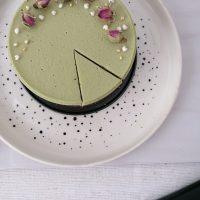Veganska matcha tortica brez peke