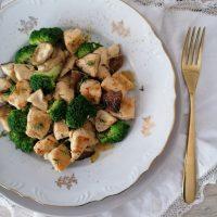 Piščančje meso s šitake gobami in brokolijem
